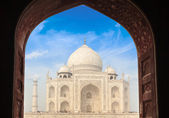 Taj Mahal through arch, Agra, India — Stock Photo