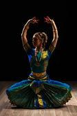 Beautiful girl dancer of Indian classical dance Bharatanatyam — Stock Photo