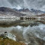 Mountain lake Lohan Tso in Himalayas — Stock Photo #44921425