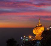 Golden Rock - Kyaiktiyo Pagoda, Myanmar — Stock Photo