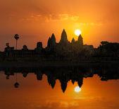 Angkor Wat on sunrise — Stock Photo