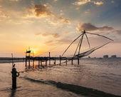 Chinese fishnets on sunset. Kochi, Kerala, India — Stockfoto