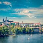 View of Charles bridge over Vltava river and Gradchany, Prague — Stock Photo #45096067