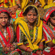 Unidentified Rajasthani girls preparing for dance perfomance — Stock Photo #45096327