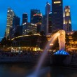 Night view of Singapore Merlion at Marina Bay against Singapore — Stock Photo #45096759