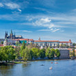 View of Charles bridge over Vltava river and Gradchany, Prague — Stock Photo #45096973
