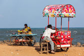 Unidentified Indian street vendors of ice cream — Stock Photo