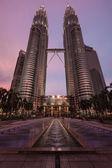Petronas Twin Towers skyscraper. Kuala Lumpur, Malaysia — Stock Photo