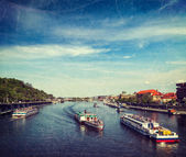 Tourist boats on Vltava river in Prague — Stok fotoğraf