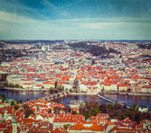 View of Charles Bridge over Vltava river and Old city — Stock fotografie
