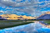 Nubra river in Nubra valley in Himalayas — Stock Photo