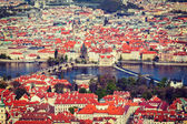 View of Charles Bridge over Vltava river and Old city — ストック写真