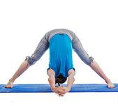 Yoga - young beautiful woman doing yoga asana excerise — Stock Photo