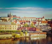 View of Mala Strana and  Prague castle over Vltava river — Stok fotoğraf