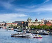 Tourist boats on Vltava river — Stock Photo