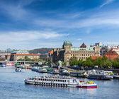 Tourist boats on Vltava river — Стоковое фото