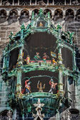 Animated figurines of Rathaus-Glockenspiel — Stok fotoğraf