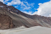 Sand dunes. Nubra valley, India — Stock Photo