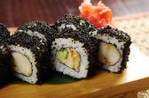 Huevas de sushi japonés negro — Foto de Stock