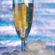 Bubbles in a glass of champagne — Stock Photo