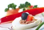 Jaja faszerowane z łososia — Zdjęcie stockowe