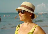 womanl on the beach. — Stock Photo