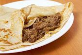 Pancakes stuffed beef. — Stock fotografie