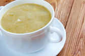 Creamy cabbage and sorrel soup — Stock Photo