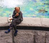 Homeless old man — Stock Photo