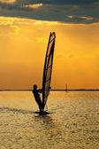 Man windsurfer — Stok fotoğraf