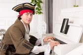 Man playing the piano — Stock Photo