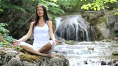 Girl, meditation, waterfall — Stock Video