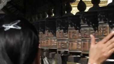 Gebedsmolen — Stockvideo
