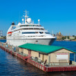 Cruise liner in Saint Petersburg — Stock Photo