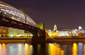 Pedestrian Bogdan Khmelnitsky Bridge in night — Foto Stock