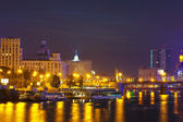 Berezhkovskaya embankment in summer night — Stock Photo