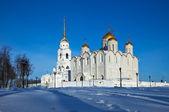 Catedral de la asunción en vladimir en invierno — Foto de Stock