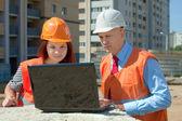Constructores de obras en construcción — Foto de Stock