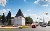 Monastery wall and monument of Yaroslav the Wise — Stock Photo