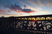 Närbild på blagoveshchensky bro i morgon — Stockfoto