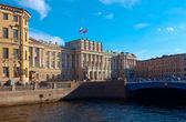 Blue Bridge through Moyka in Saint Petersburg — Stock Photo