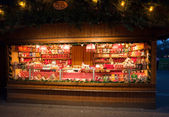 Kiosk with sweets at Christmas market in Vienna — Stock Photo
