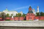 Kremlin de moscú del río moscova — Foto de Stock
