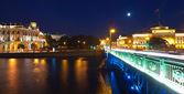 Weergave van sint-petersburg in nacht — Stockfoto