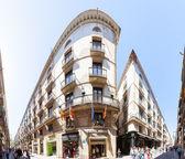 Ferran street in Gothic Quarter. Barcelona, Spain — Stock Photo