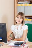 Blondynka interesu w pomieszczenie biurowe — Zdjęcie stockowe