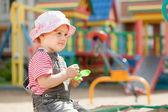 2 年間子供の遊び場 — ストック写真
