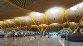 Chek-en el hall del aeropuerto de barajas — Foto de Stock