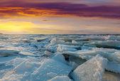 Río en puesta de sol de invierno — Foto de Stock