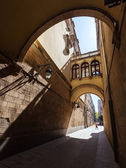 Old picturesque street of Barcelona — Stock Photo